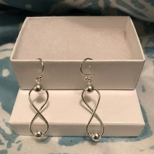 Jewelry - Sterling sliver infinity earrings